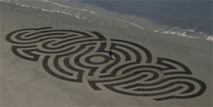 image of a sand pattern by Andres Amador